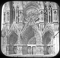 F 06_011 - cathédrale de Reims